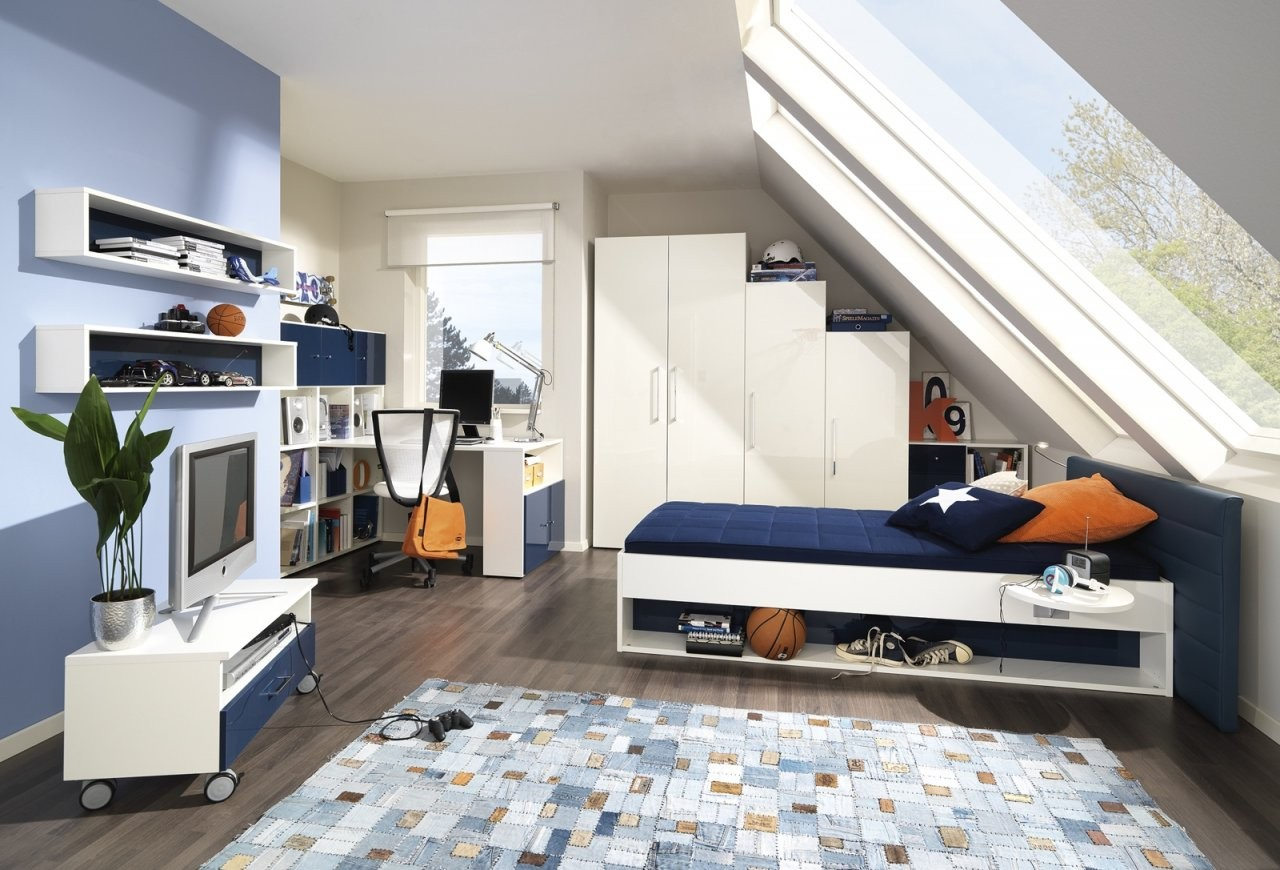Ein Kinderzimmer Unterm Dach  Daheim Wohnjournal von Kinderzimmer Mit Dachschräge Einrichten Bild