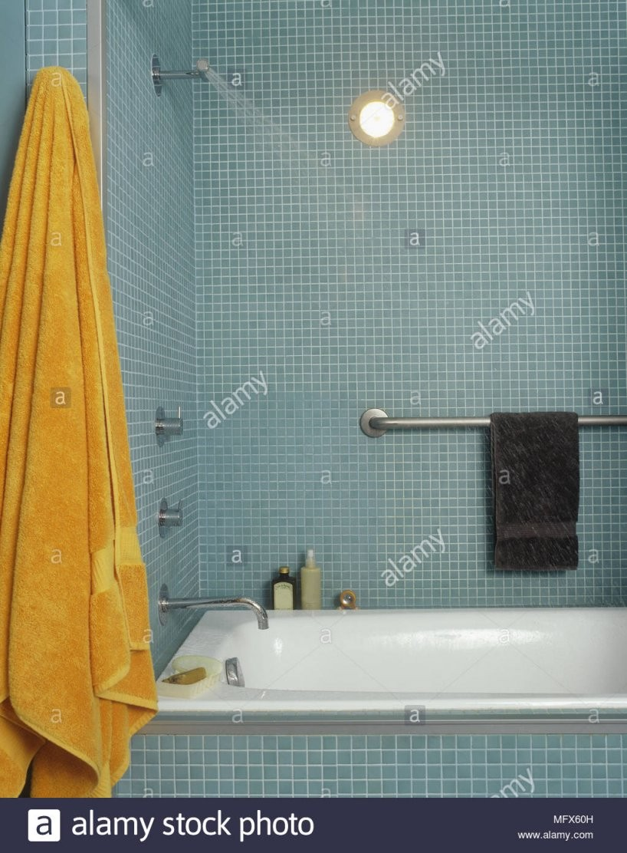 Ein Modernes Badezimmer Fliesen Wände Mit Mosaik Fliesen Bad von Mosaik Fliesen Türkis Bad Photo