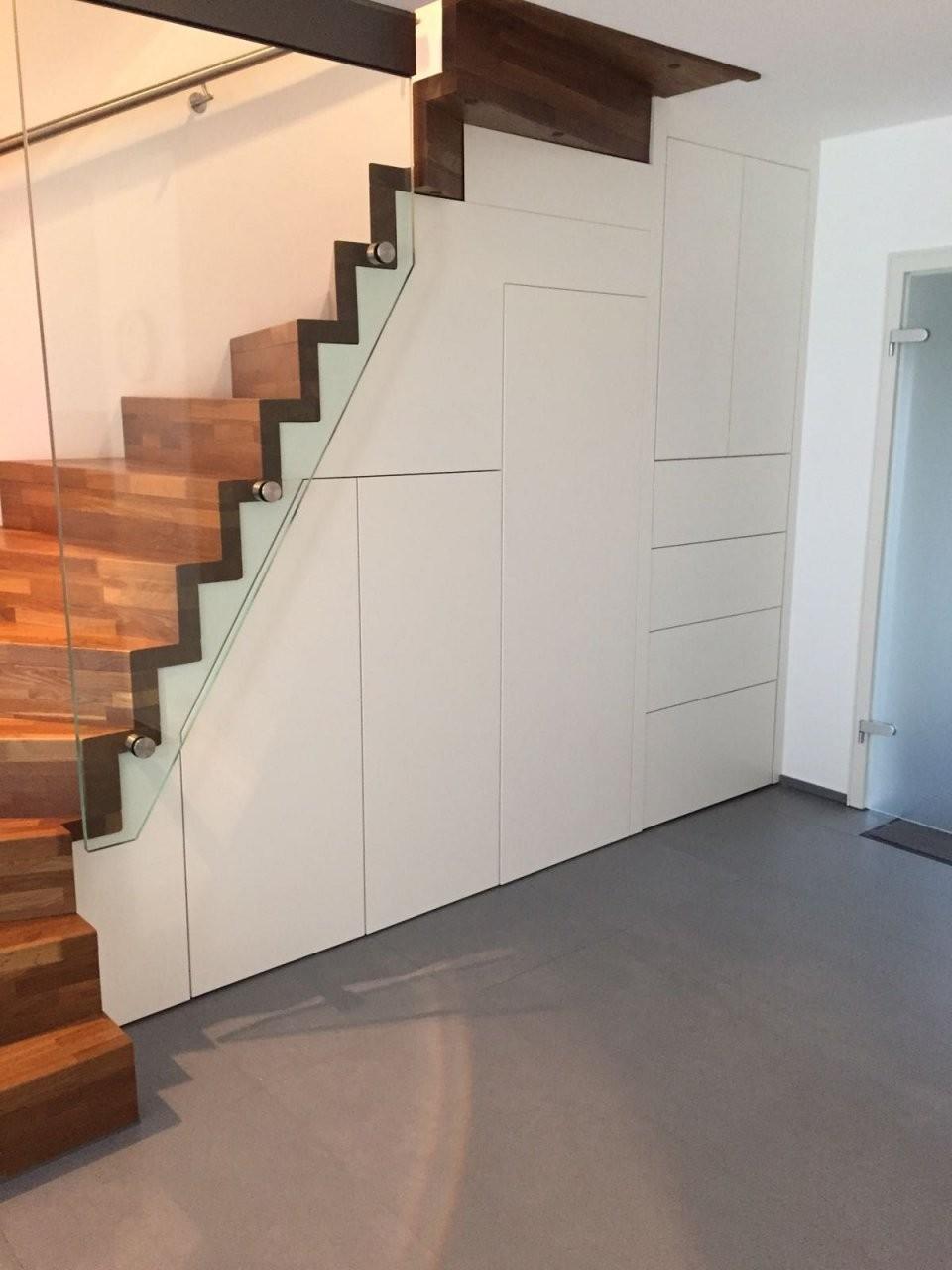 Einbauschrank Unter Der Treppe Option Zugang Unter Der Treppe Für von Schrank Unter Der Treppe Photo