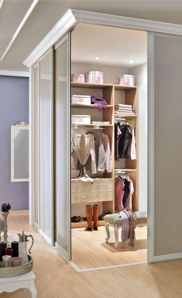 Einbauschränke Nach Maß  Begehbare Kleiderschränke  Dom  Walk In von Begehbarer Kleiderschrank Kleines Schlafzimmer Photo
