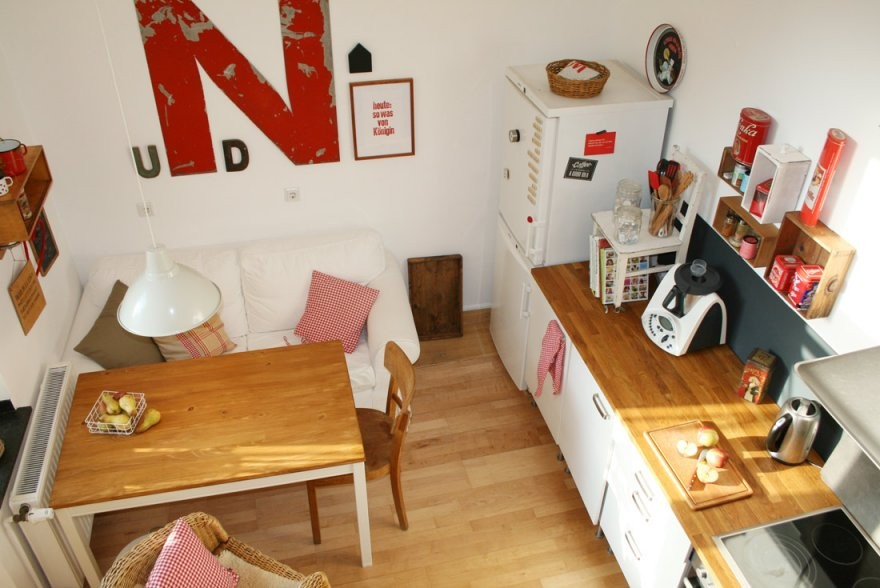 Eine Wohnküche Gemütlich Gestalten Mit Wenig Geld Aber Großer von Wohnzimmer Neu Gestalten Mit Wenig Geld Bild
