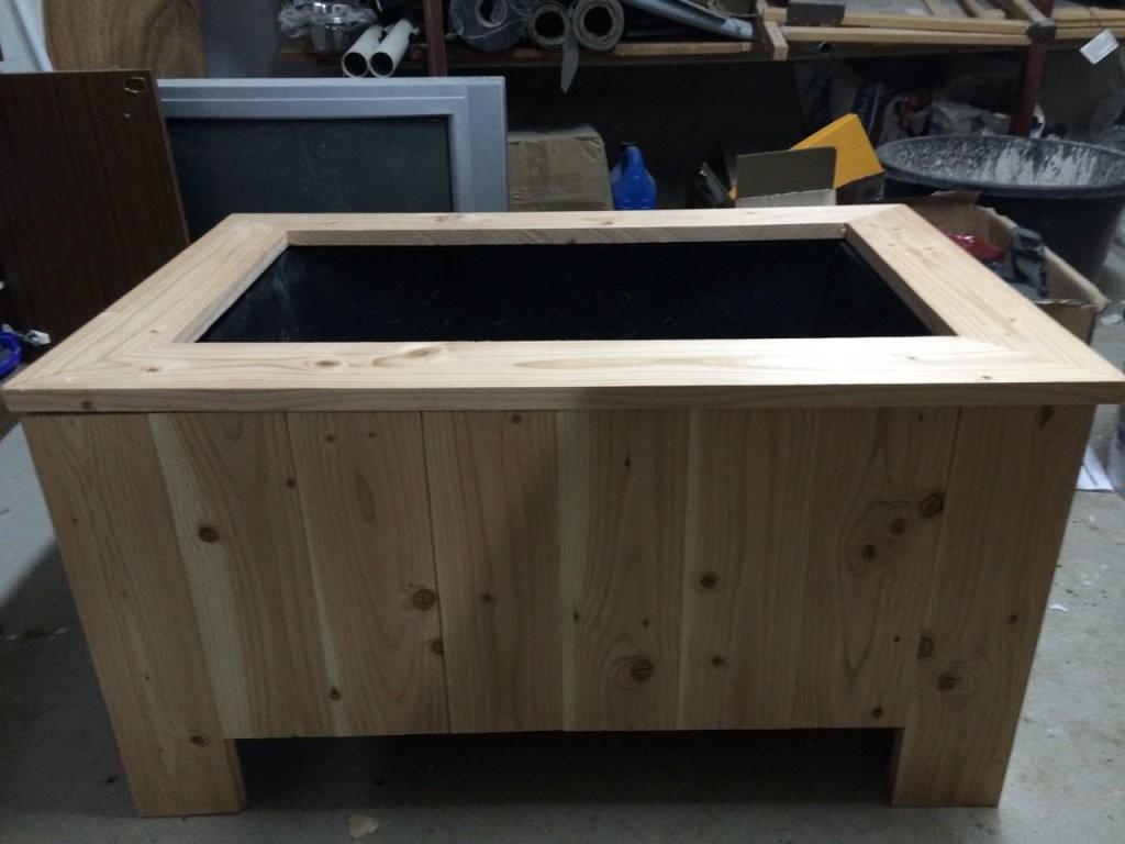 Einen Pflanzkübel Aus Douglasieholz Selber Bauen – Diy von Pflanzkübel Aus Holz Selber Bauen Bild