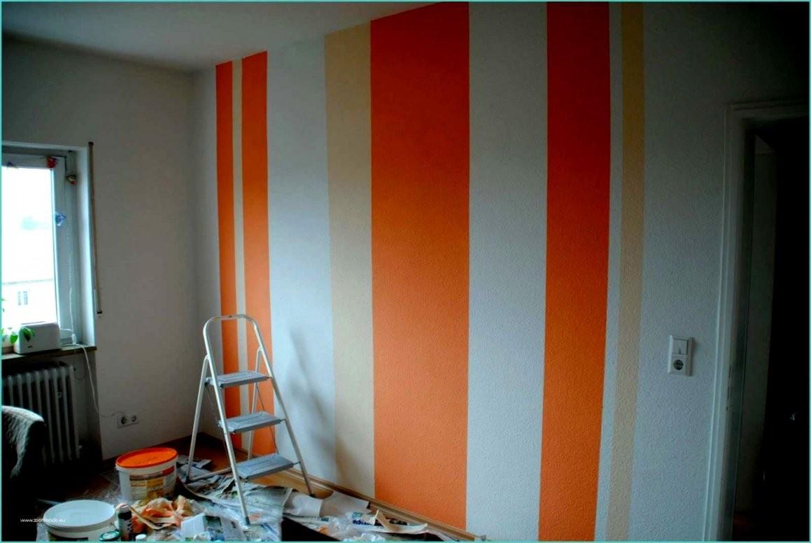 Elegante Wand Streichen Streifen Muster Modell Akzentwand Mit von Wand Streichen Muster Streifen Photo
