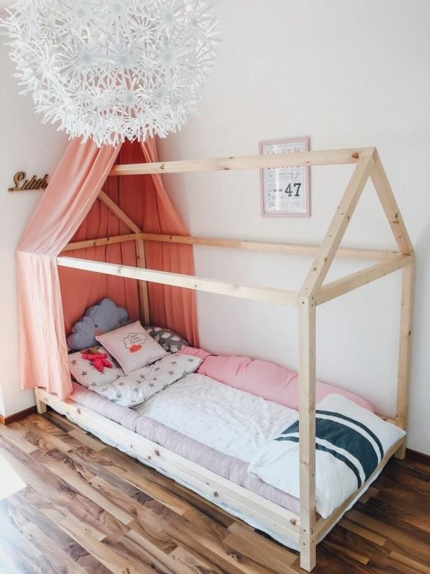 Endlich Durchschlafen Diy Hausbett Für Kinder Nach Montessori von Kinderbett Selber Bauen Haus Photo