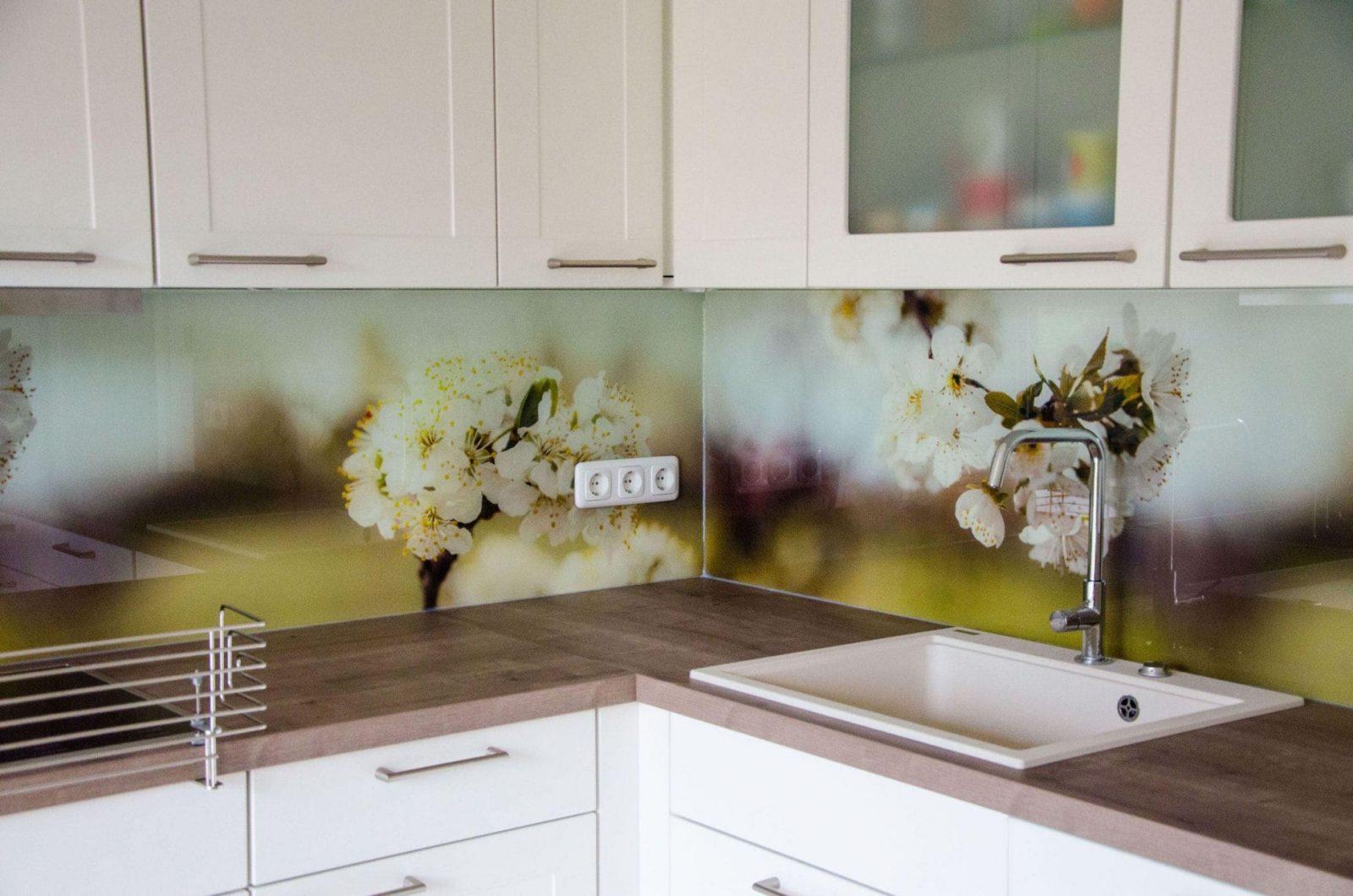 Endlich  Unsere Küchenrückwand  Hausbau  Garten  Baby Kind Und von Spritzschutz Küche Plexiglas Selber Machen Bild