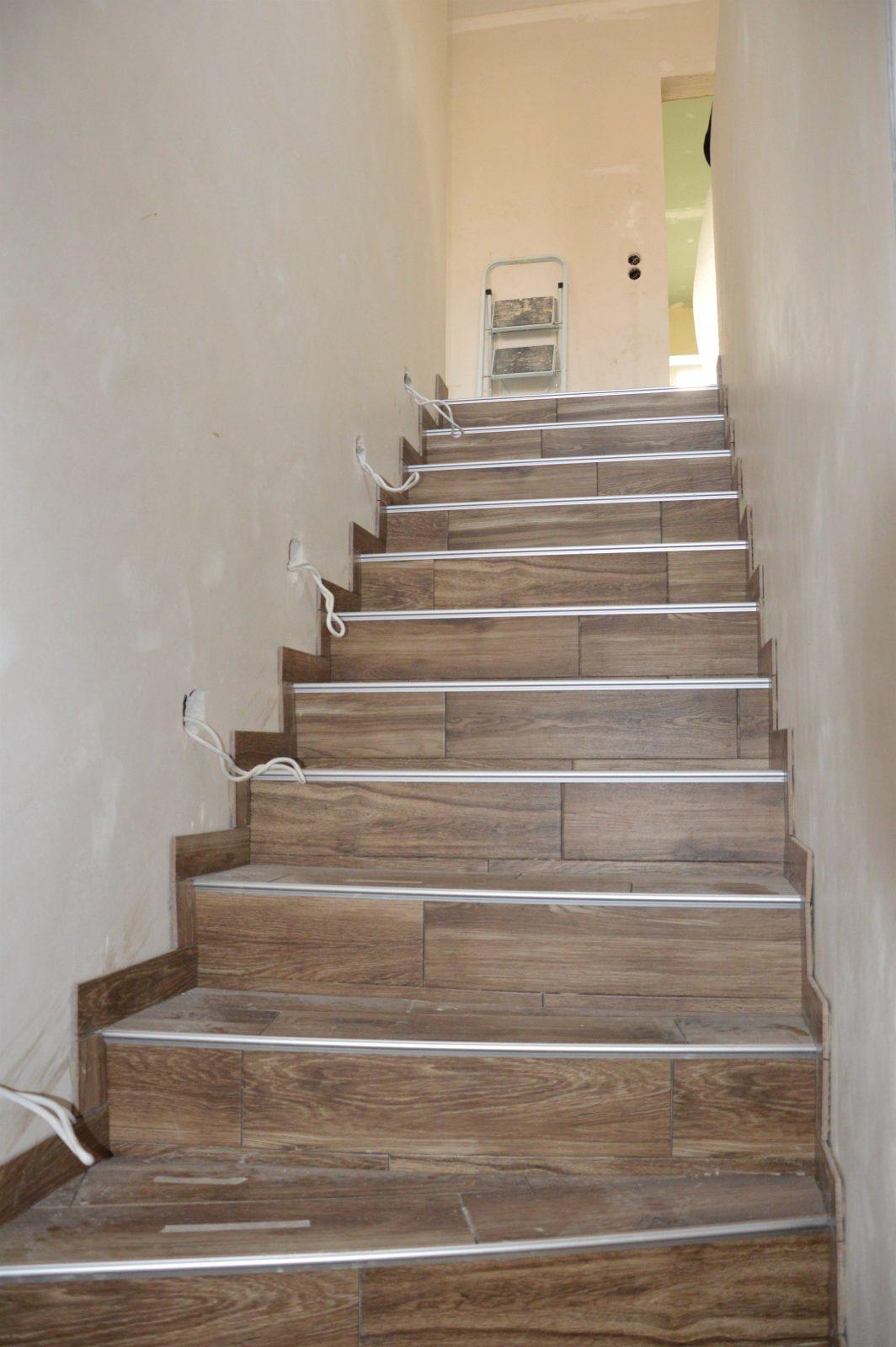 Farbgestaltung Flur Mit Treppe von Farbgestaltung Flur Mit Treppe Bild