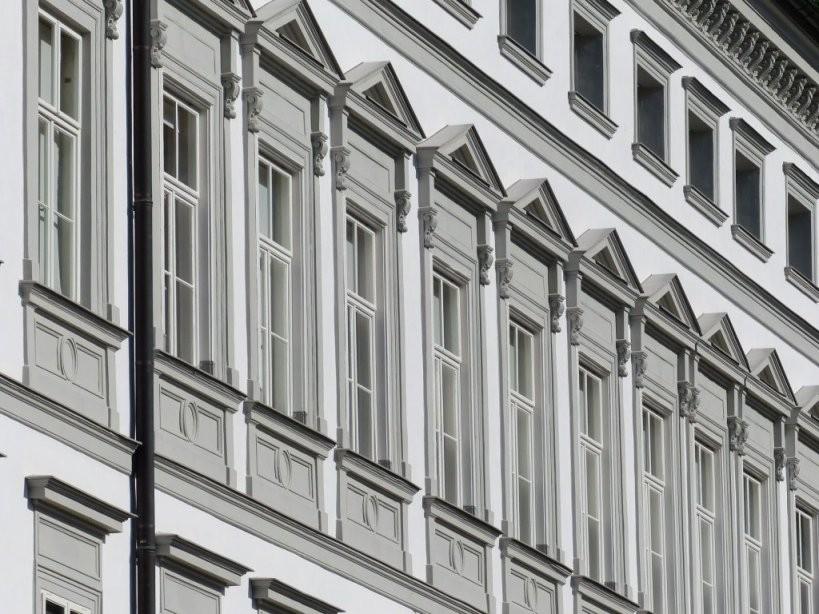 Fassade Streichen  Haus Streichen  Malerkosten Pro M2 von Fassade Streichen Kosten Pro Qm Bild