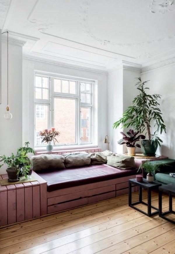 Fensterbank Zum Sitzen Modern Gestalten  20 Designideen von Fenster Sitzbank Über Heizung Bild