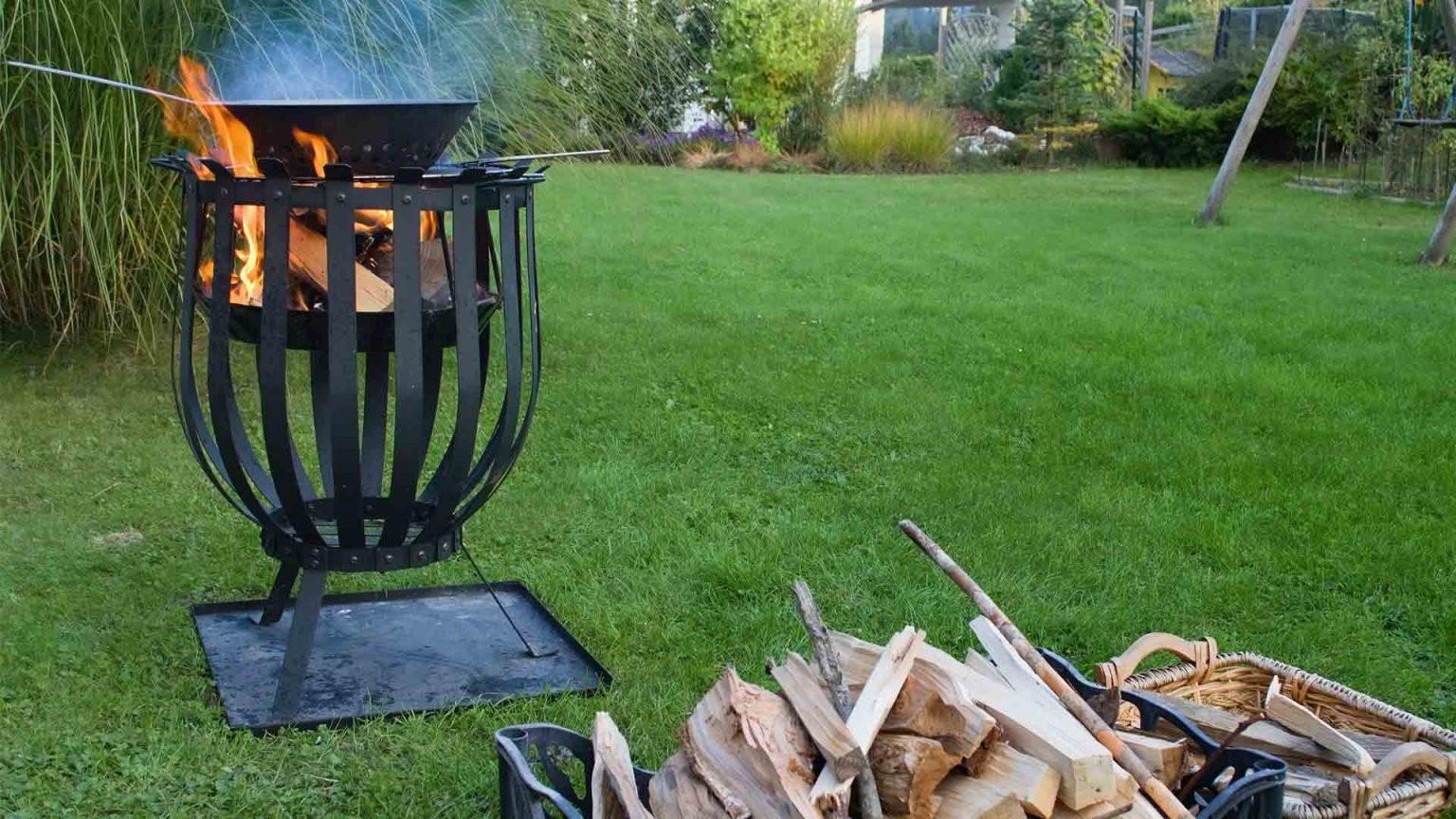 Feuer Im Garten Machen  Was Ist Erlaubt  Welche Möglichkeiten Gibt Es von Offene Feuerstelle Im Garten Erlaubt Photo