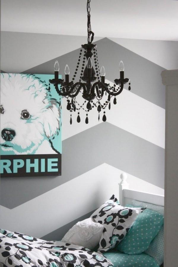 Fischgräten Streifen In Weiß Und Grau Fürs Schlafzimmer  Celina In von Wandgestaltung Schlafzimmer Selber Machen Photo