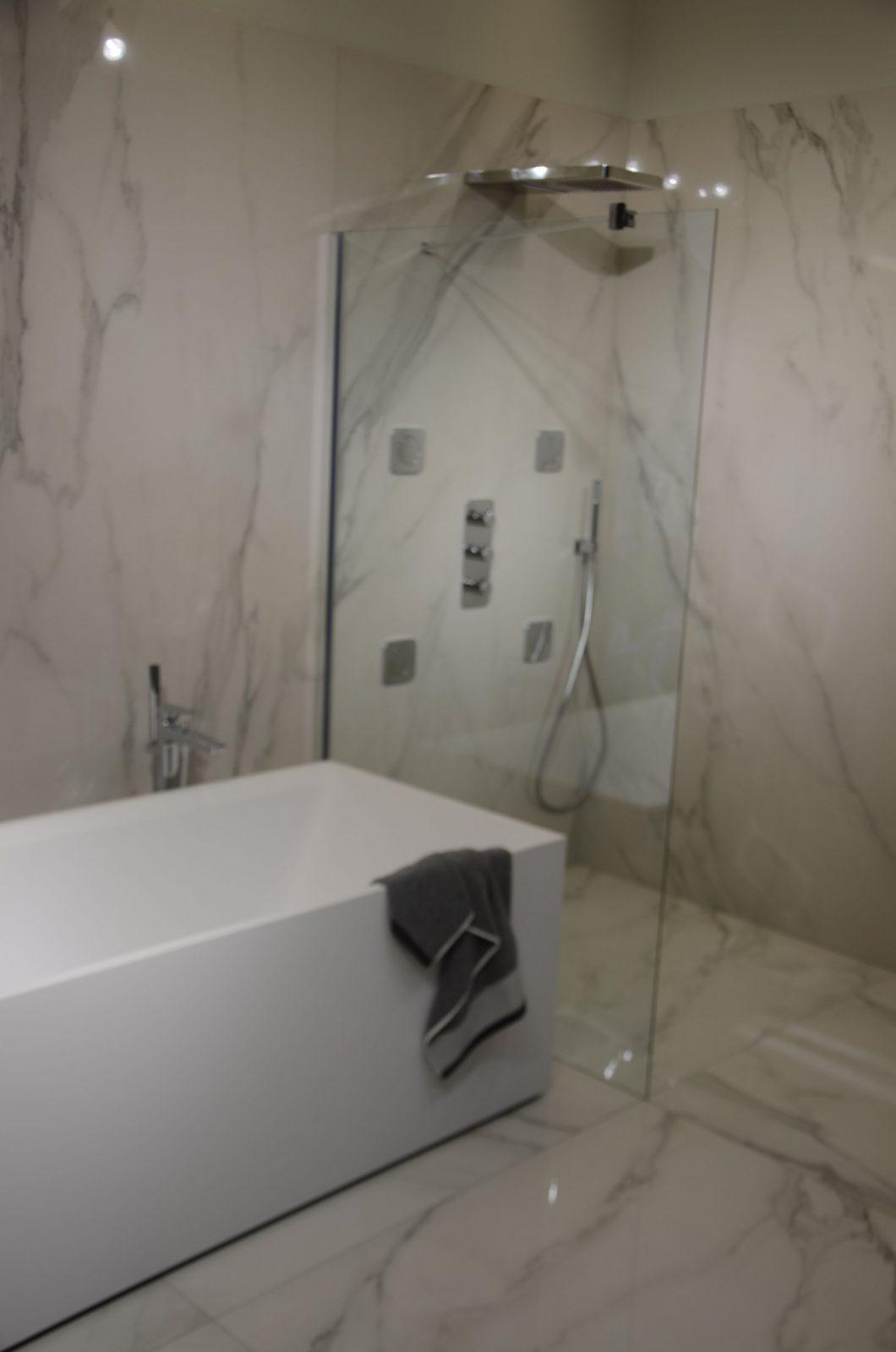 Fliesen In Marmoroptik Der Neue Trend Rocca Marmor Marmoroptik von Fliesen In Steinoptik Für Dusche Bild