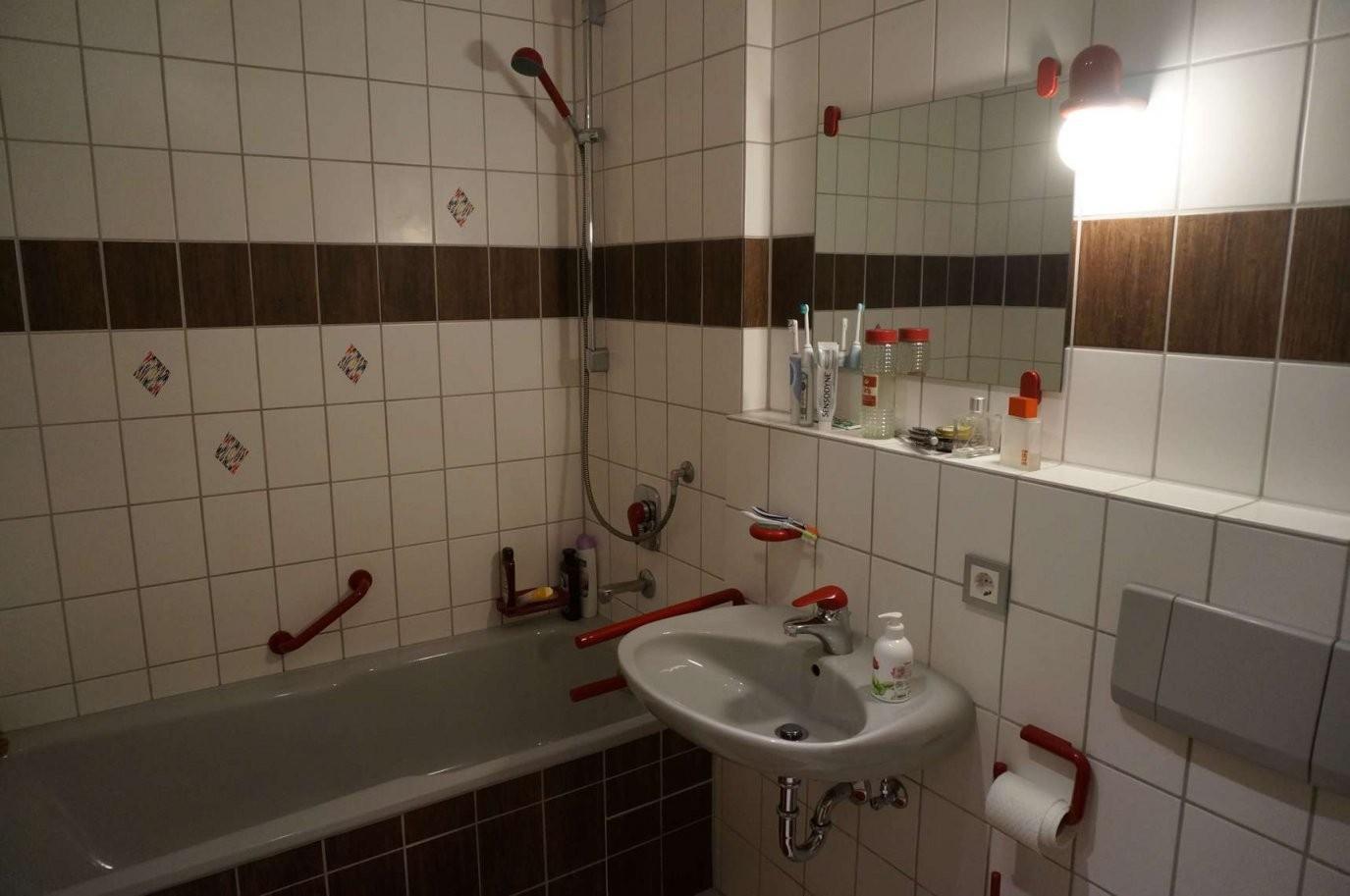 Fliesenfolie Badezimmer von Fliesen Folie Selbstklebend Bad Bild
