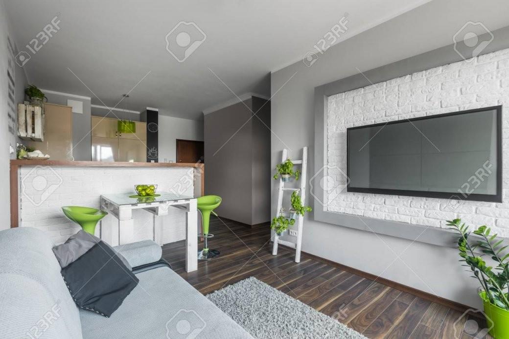 Funktionelle Licht Moderne Wohnung Mit Offener Küche Und Ein von Moderne Wohnzimmer Mit Offener Küche Photo
