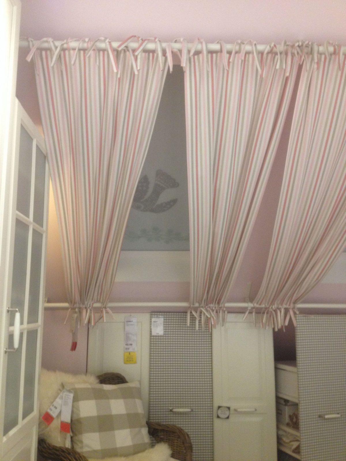 Gardinenaufhängung An Schrägen Fenstern  Шторы  Dachschräge von Gardinen Ideen Für Schräge Fenster Bild