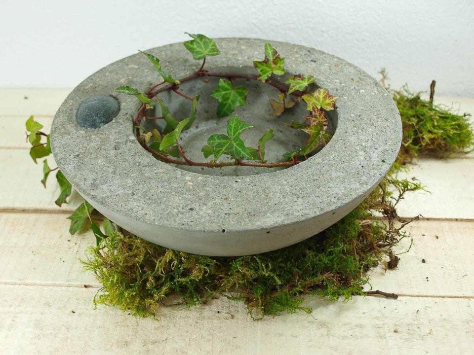 Gartendeko Beton Handgemacht  Kellerherz von Gartendeko Aus Beton Selbstgemacht Photo