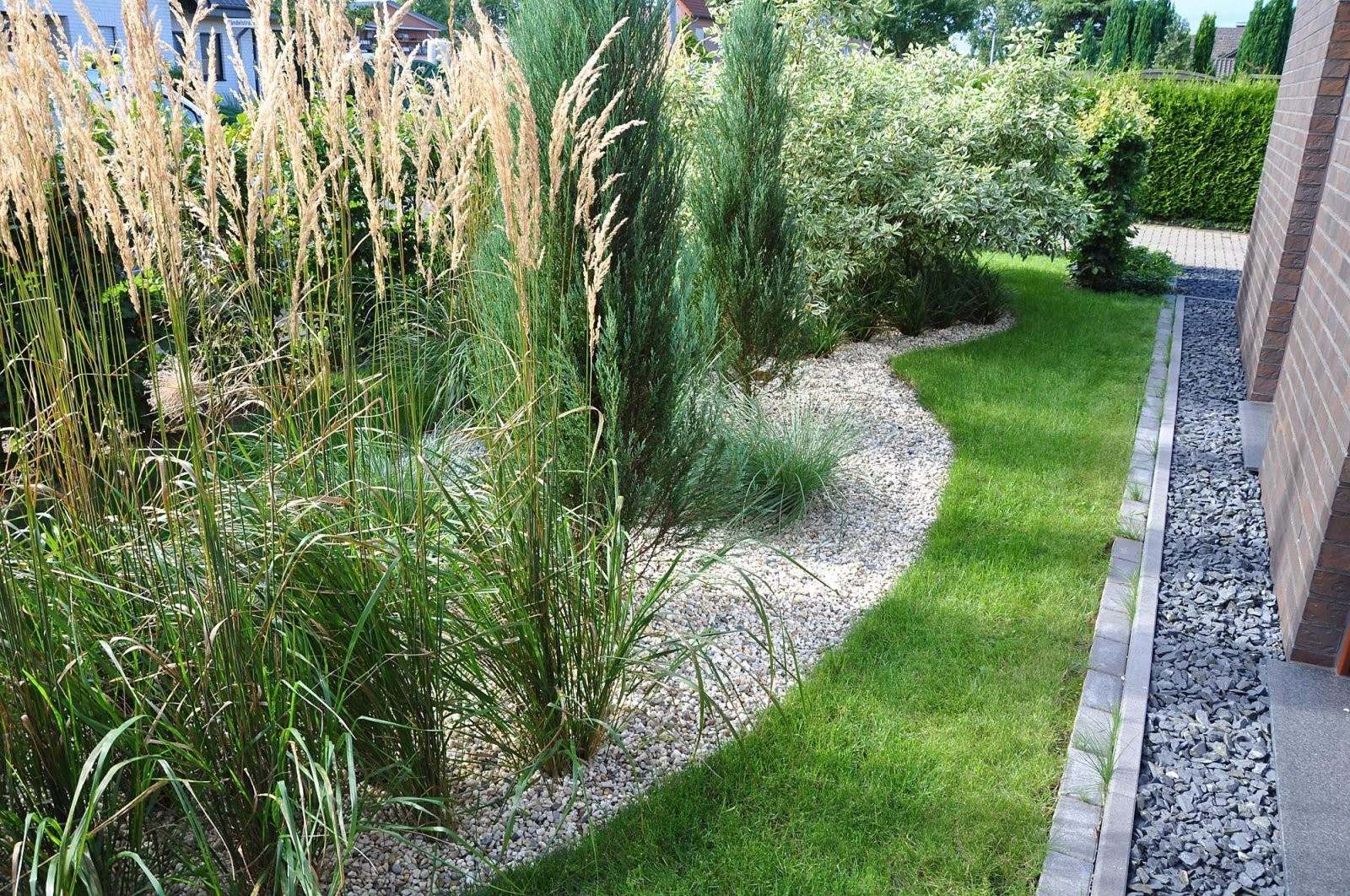 Gartengestaltung Graser Und Farne Natacharoussel Ideen Von von Gartengestaltung Mit Gräsern Und Kies Bild