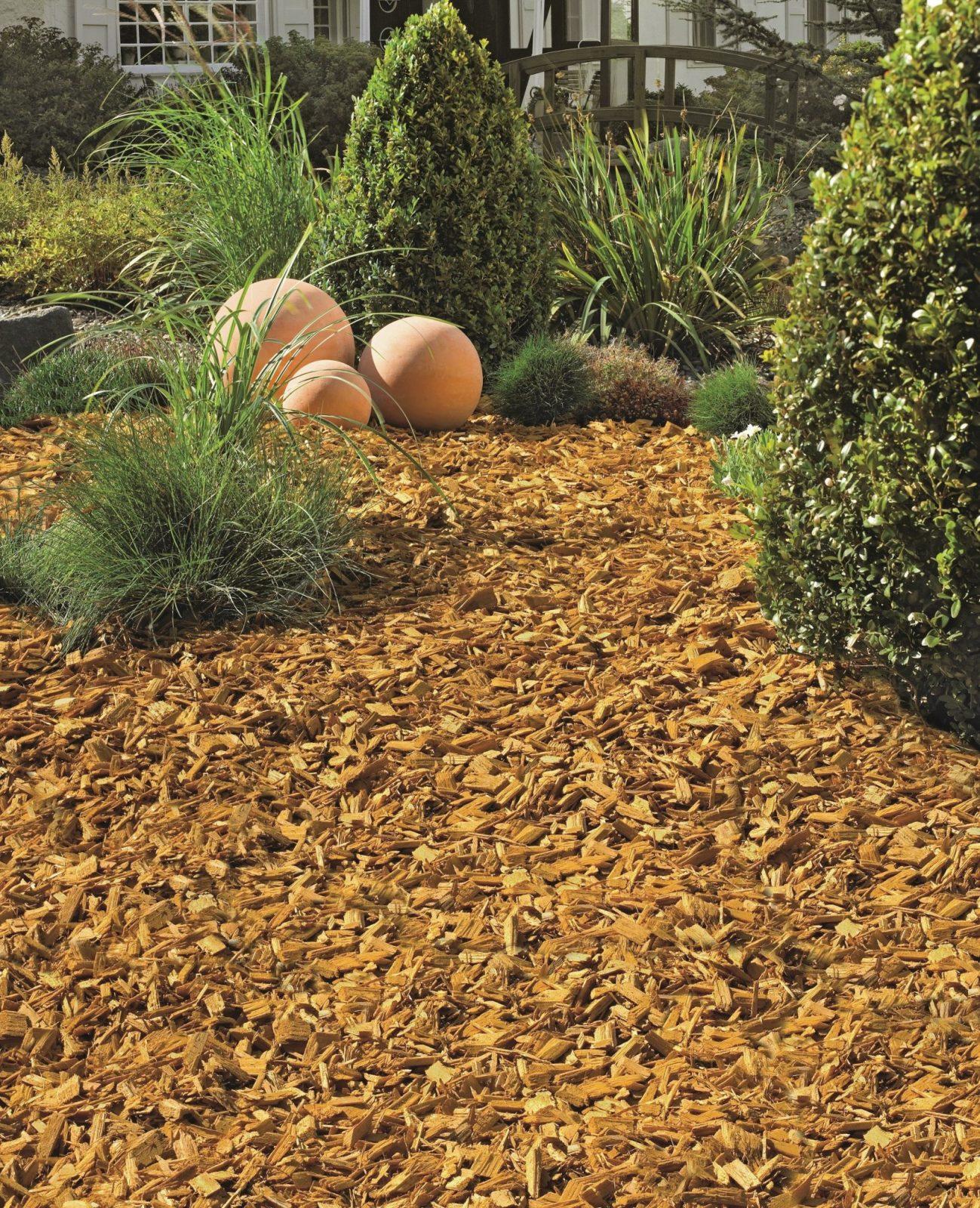 Gartengestaltung Mit Steinen Und Rindenmulch Am Hang Für Planen von Gartengestaltung Mit Steinen Am Hang Bild