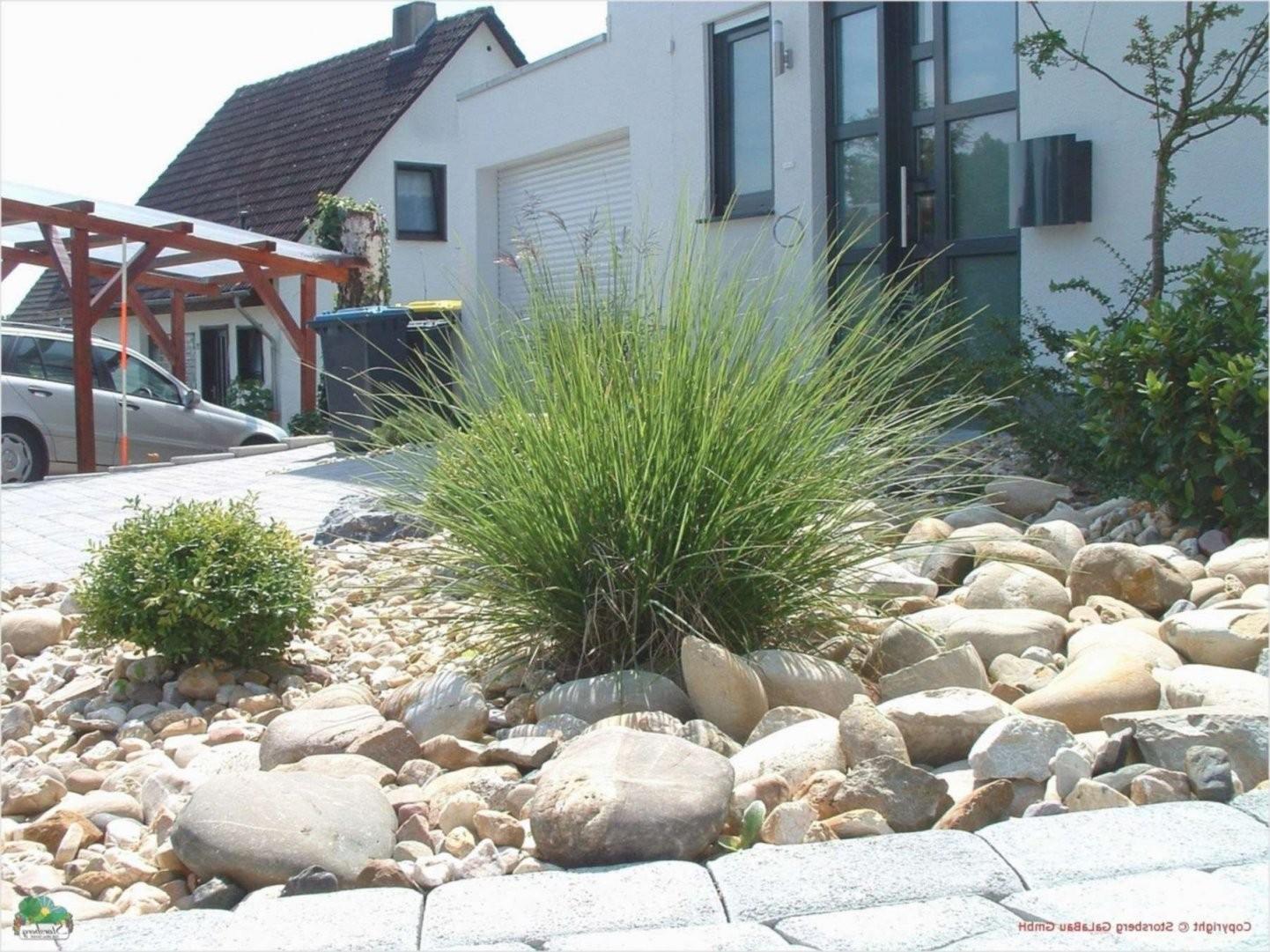 Gartengestaltung Mit Steinen Und Rindenmulch Am Hang Schema Von von Gartengestaltung Mit Steinen Am Hang Photo