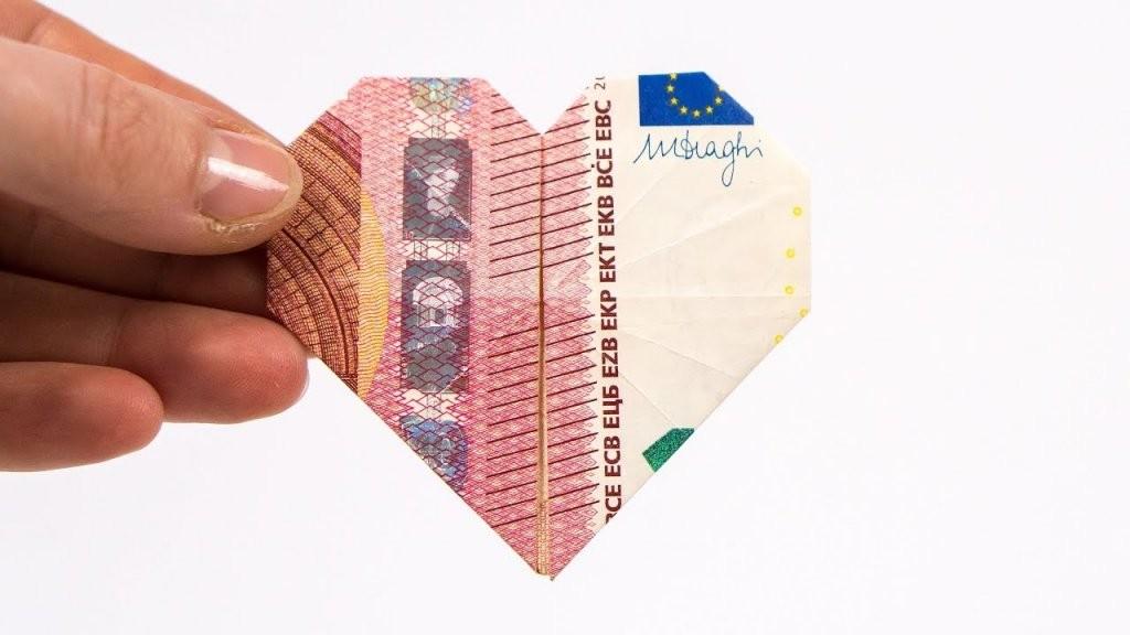 Geld Falten Herz Geldgeschenke Zur Hochzeit Basteln ❤  Youtube von Geldschein Als Herz Falten Bild
