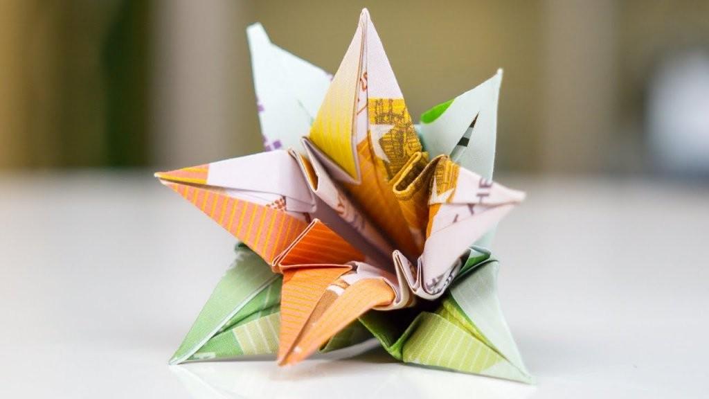 Geldgeschenk Hochzeit Blumen Falten  Youtube von Geldscheine Falten Blume Mit Einem Schein Photo