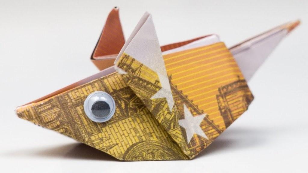 Geldgeschenk Idee Maus Falten Origami Anleitung  Youtube von Maus Aus Geldschein Falten Bild