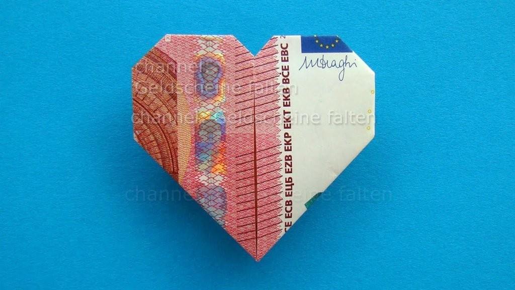 Geldscheine Falten Herz ❤ Leichte Origami Herz Aus Geld Falten von Geldschein Als Herz Falten Photo