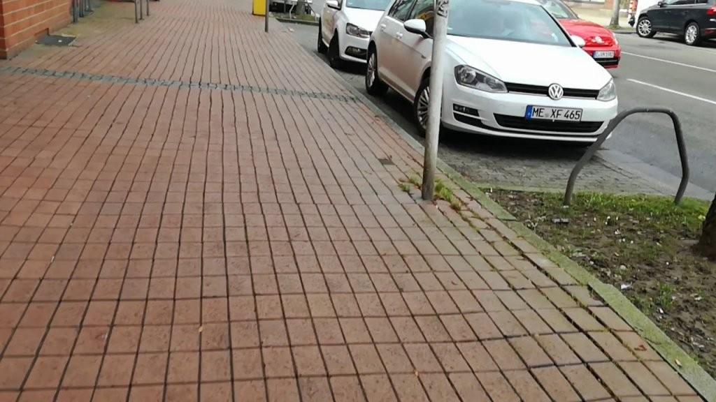 Gesperrte Autoaufzüge Bei Möbel Rehmann In Essensteele  Youtube von Möbel Rehmann Essen Steele Photo