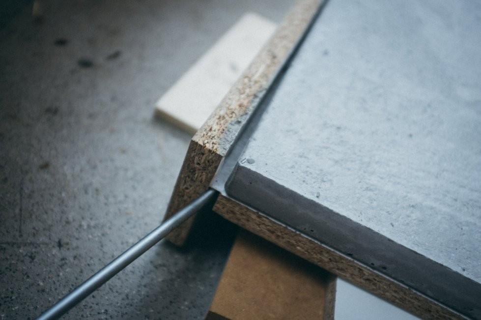 Ghostbastlers – Tischplatte Aus Beton von Couchtisch Beton Selber Machen Bild