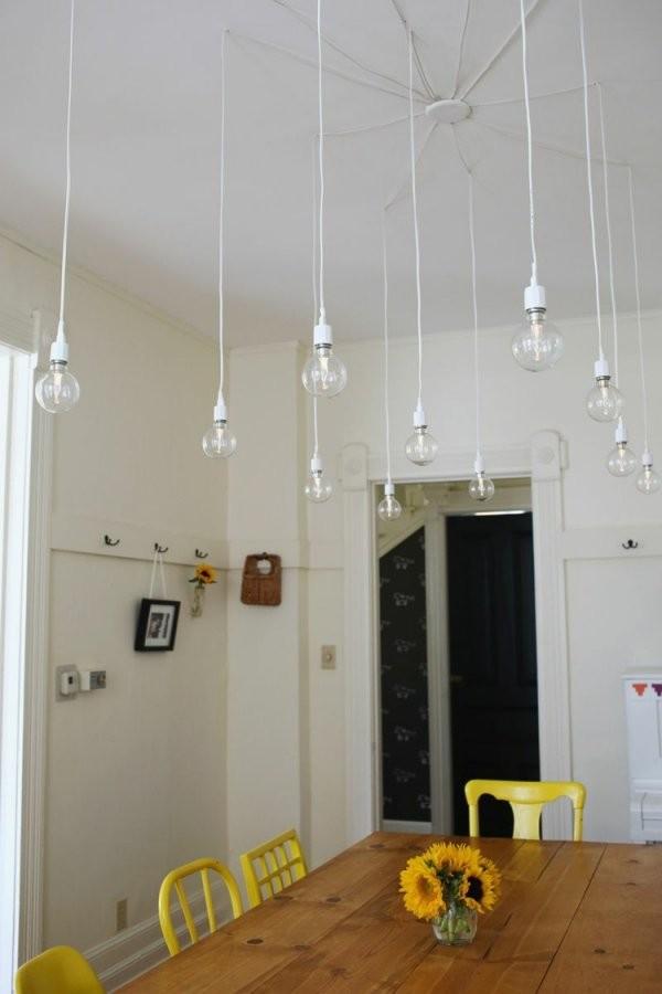 Glühbirne Als Lampe Selber Machen  Die Trendige Leuchte Als Deko von Glühbirne Lampe Selber Machen Photo