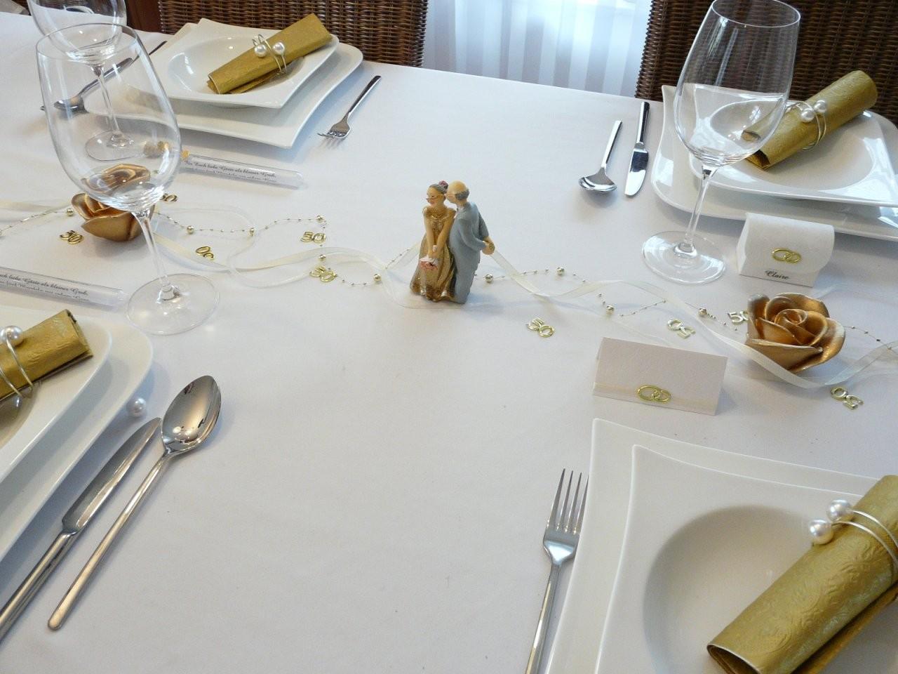 Goldene Hochzeit  Tischdekoonline Tischdekoration von Tischdeko Zur Goldenen Hochzeit Bild