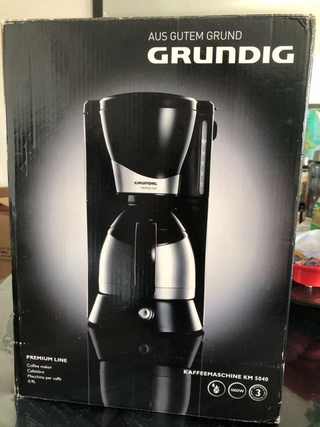 Grundig Premium Line Km 5040 Home Appliances Kitchenware On Carousell von Grundig Premium Line Kaffeemaschine Bild