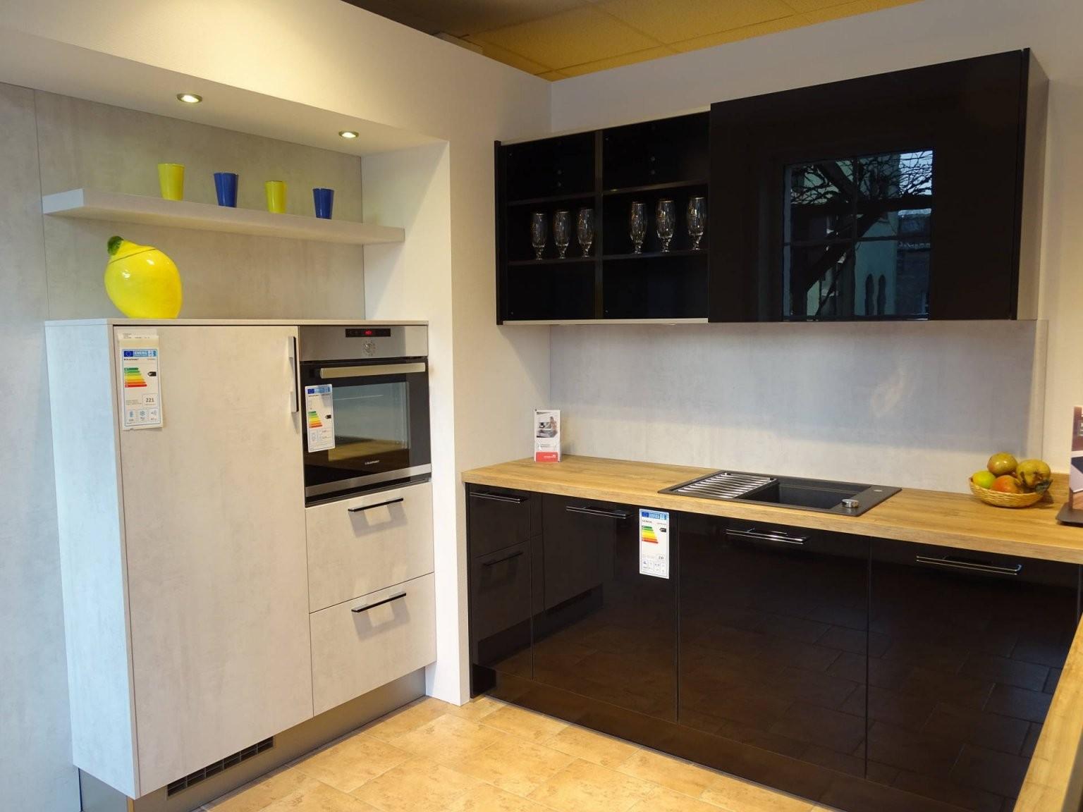 Günstige Musterküche  Küche In Uform Von Häcker  Erhältlich In von Küchen In U Form Günstig Photo