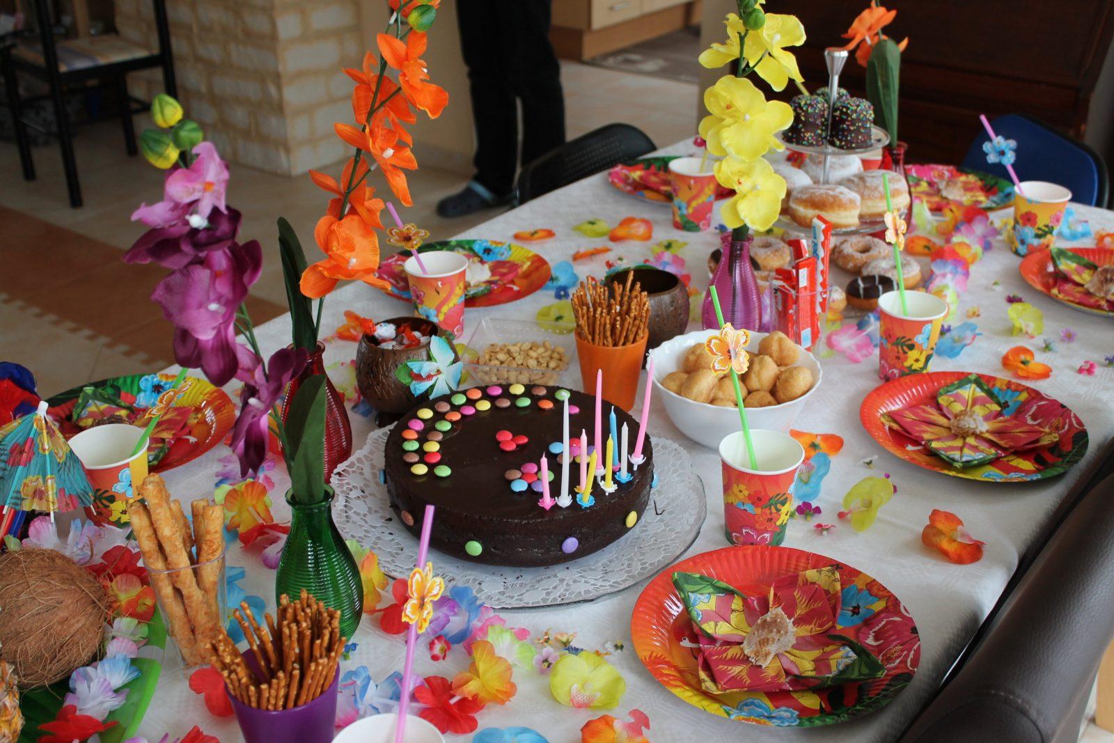 Hawaii Party Deko Selber Machen  Egebtuta von Tischdeko Kindergeburtstag Selber Basteln Bild