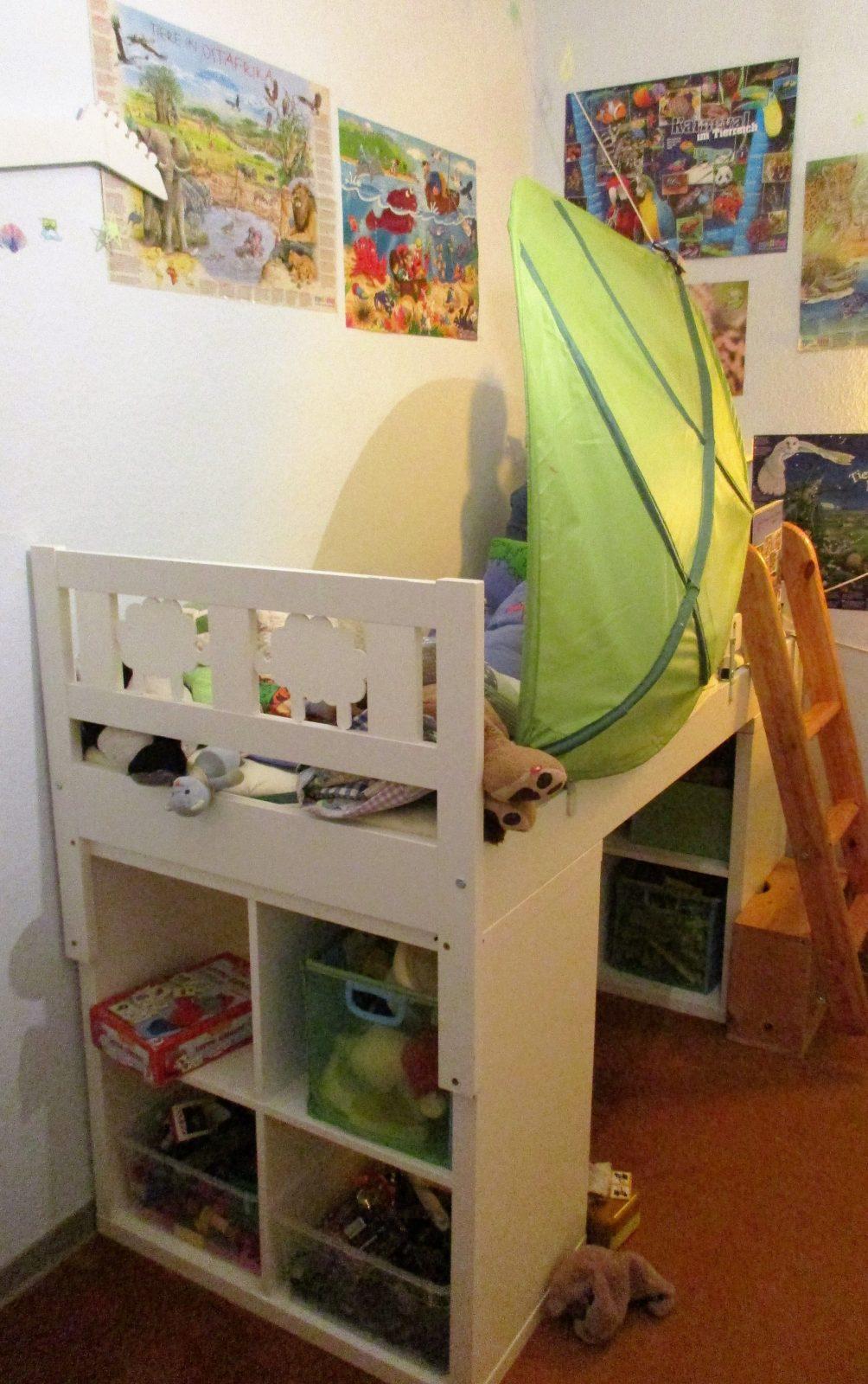 Hochbett Selber Bauen 2X Kallax Regal Von Ikea Unter Das Bett von Hochbett Mit Rutsche Selber Bauen Bild