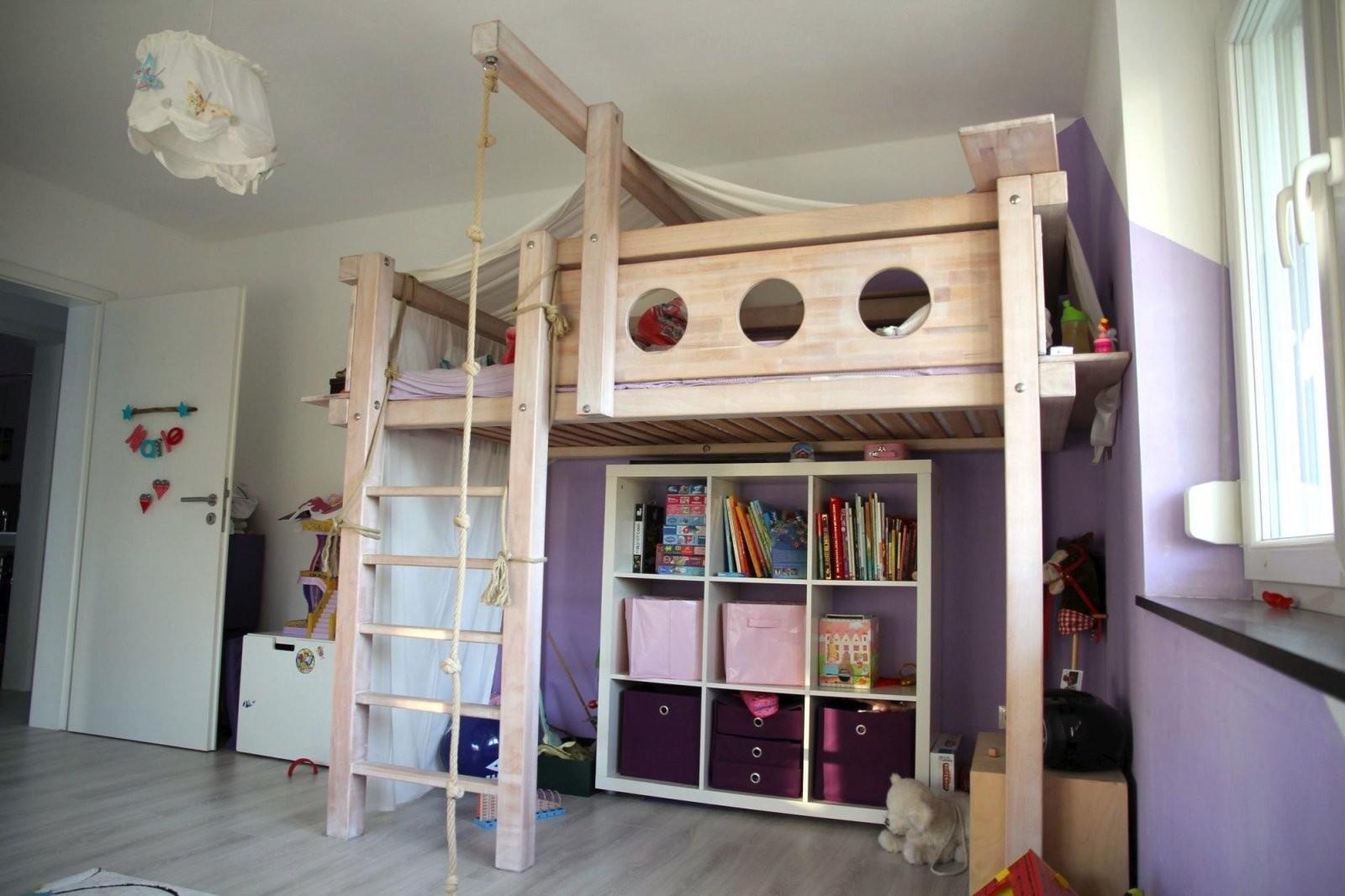 Hochbett Selbst Gebaut  Bauanleitung Für Ein Massives Hochbett von Bett Rutsche Selber Bauen Bild