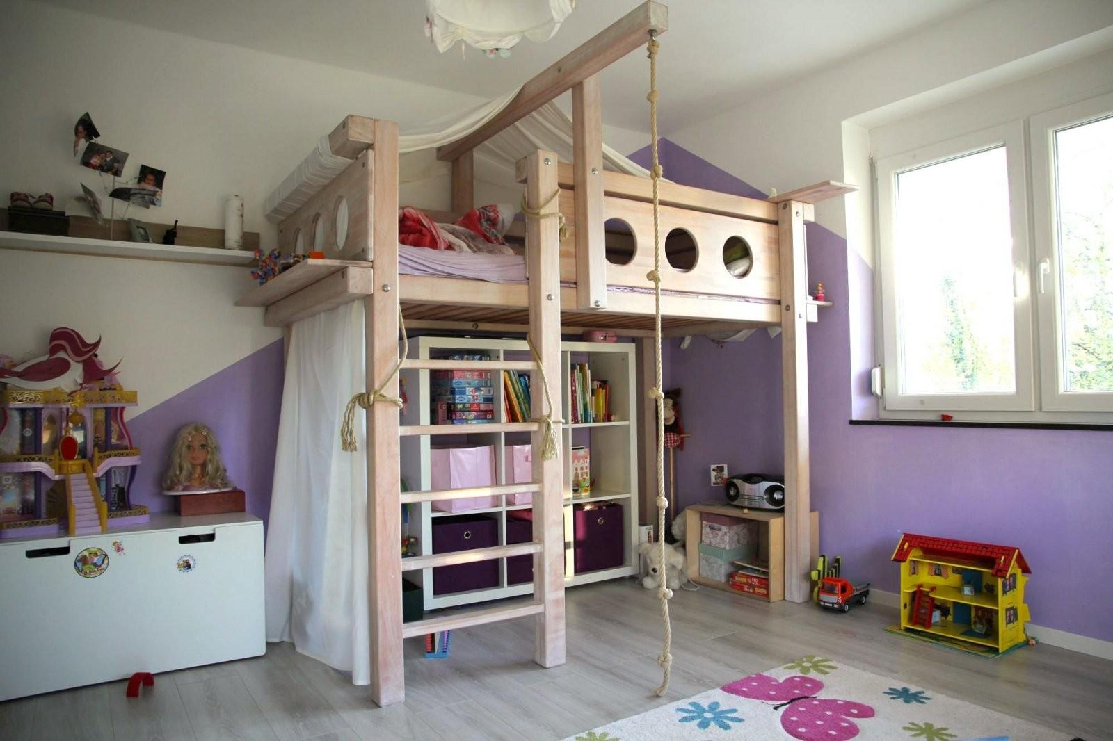 Hochbett Selbst Gebaut  Bauanleitung Für Ein Massives Hochbett von Hochbett Für Kinder Selber Bauen Bild