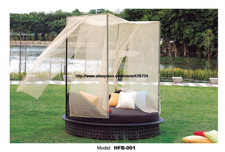 Holiday Beach Bed Round Rattan Sofa Bed Terrace Sun Lying Bed von Round Rattan Swing Bed Bild