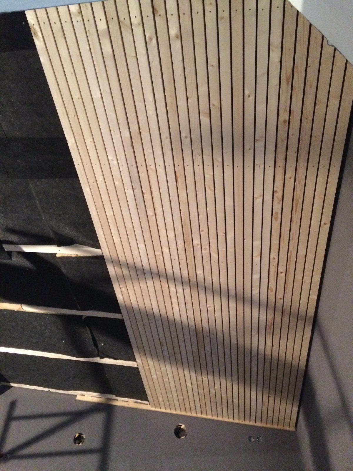 Holz Lackieren Und Lasieren – Mit Und Ohne Abschleifen · Baubeaver von Holzdecke Lackieren Ohne Abschleifen Photo