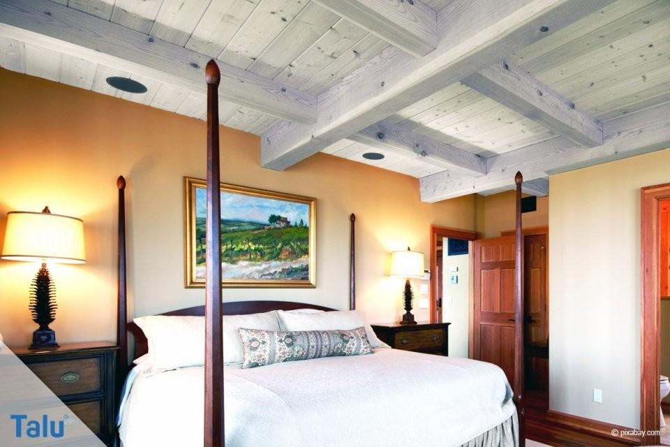 Holzdecke Richtig Weiß Und Farbig Streichen  Anleitung  Talu von Holzdecke Mit Wandfarbe Streichen Photo
