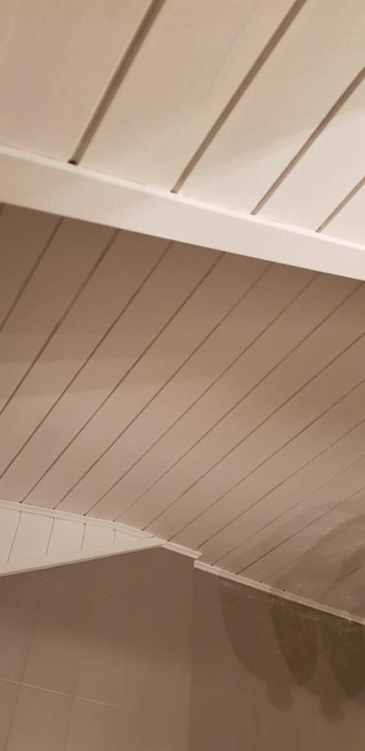 Holzdecke Streichen Mit Kreidefarbe  Misspompadour von Braune Holzdecke Weiß Streichen Bild