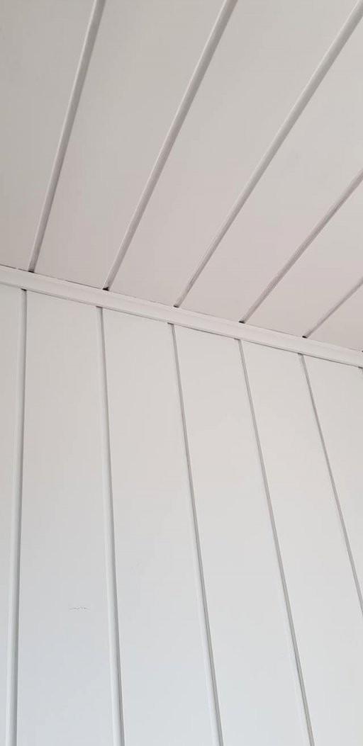 Holzdecke Streichen Mit Kreidefarbe  Misspompadour von Braune Holzdecke Weiß Streichen Photo