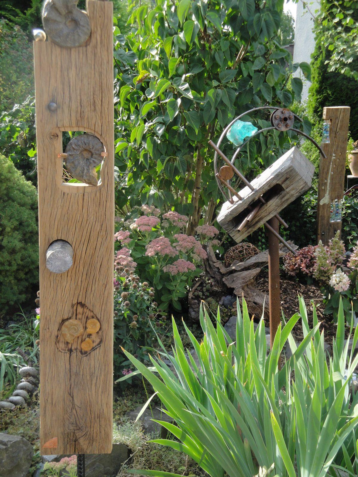 Holzstelen Garten Sichtschutz von Holzstelen Für Den Garten Bild