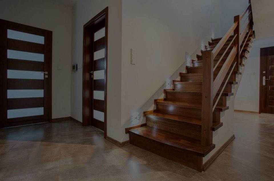 Holztreppen  Treppen Aus Polen  Treppen  Günstig Kaufen von Treppen Kaufen In Polen Bild
