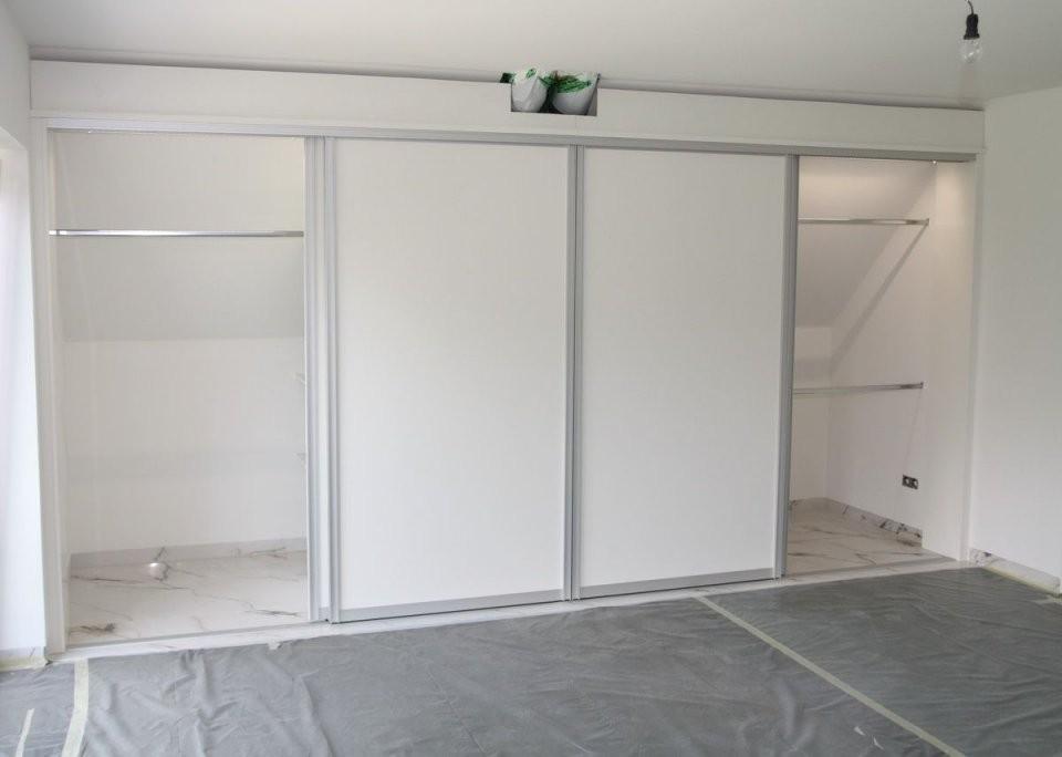 Ideen  Kleiderschrank Unter Der Dachschräge  H O M E I von Schränke Für Schrägen Ikea Bild