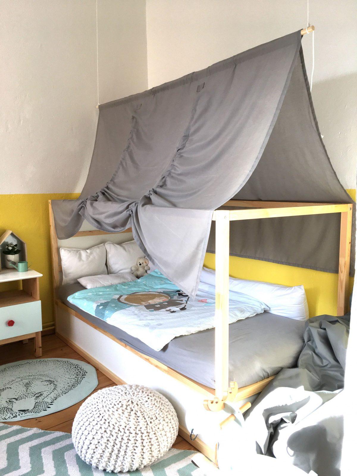 Ikea Kura Kinderbett Mit Diy Betthimmel <3  Spare Room In 2019 von Himmel Für Bett Ikea Photo