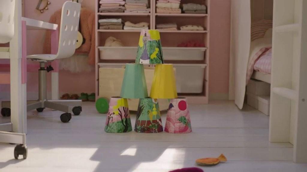 Ikea Quadratmeterchallenge Kleines Kinderzimmer Einrichten  Youtube von Kleines Kinderzimmer Mit Dachschräge Photo
