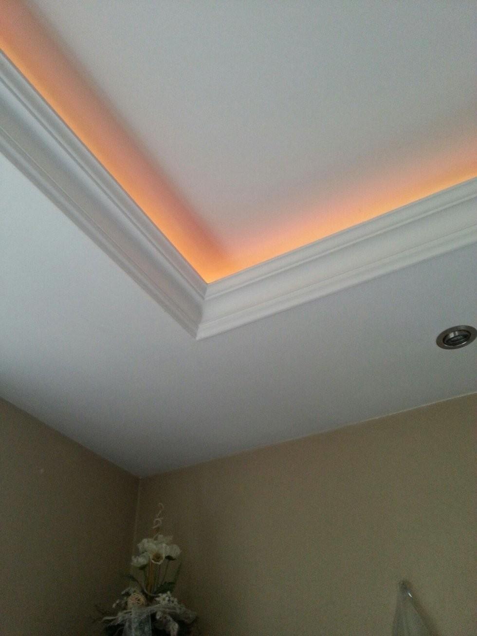Indirekte Beleuchtung Im Wohnzimmer Schlafzimmer Flure Oder von Stuck Mit Indirekter Beleuchtung Bild
