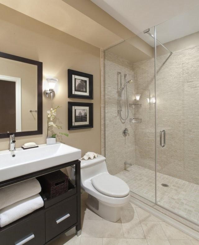 Ins Badezimmer Ohne Fenster Einen Blickfang Bringen von Kleines Bad Ohne Fenster Gestalten Bild