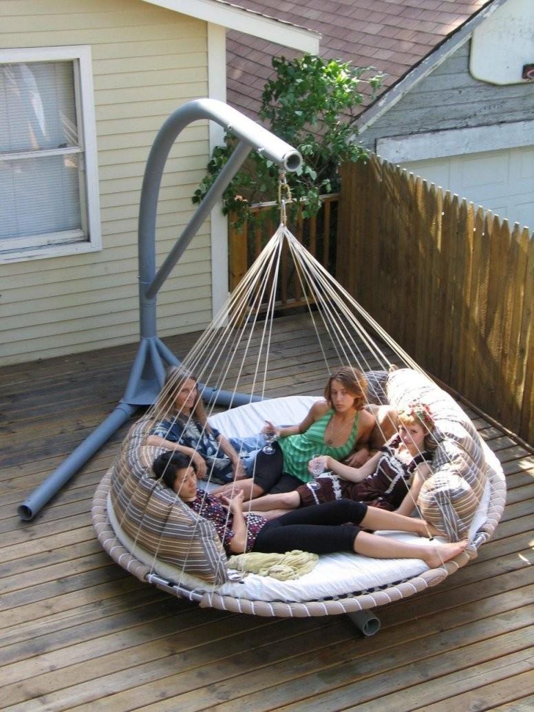 Interior Adorable Floating Outdoor Daybed Diy Hanging Plans Round von Round Porch Swing Bed Bild