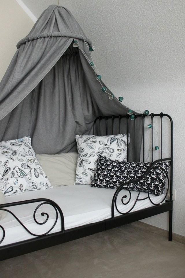 Kinderzimmer Diy Baldachin Zelt Hölle Himmelbett Kuschelecke von Betthimmel Kinderbett Selber Machen Bild